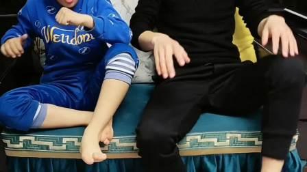 我的童年:我和爸爸一块洗脚