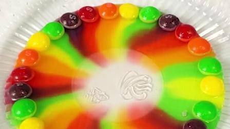 你也许见过彩虹雨,但你一定没见过彩虹瀑布