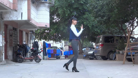 永东玲子广场舞  爱你不需要任何理由