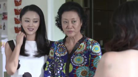 前妻嫁给外国人,如今回来找前夫,发现他娶了个更年轻的