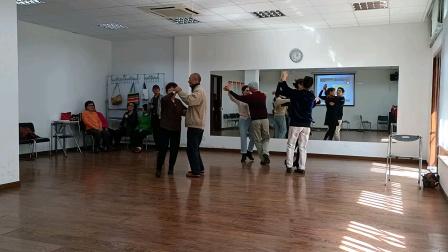 每周一下午和每周四上午《自娱自乐》自习交谊舞(2)