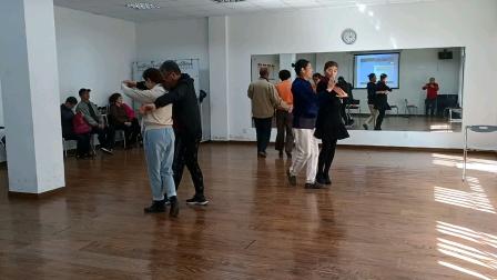 每周一下午和每周四上午《自娱自乐》自习交谊舞(3)