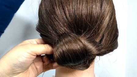 穿裙子把头发这样扎起来特漂亮,很有夏天感觉的发型,淑女还减龄