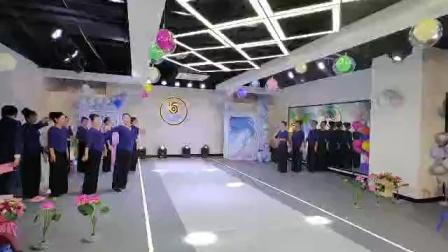 《绣红旗》集体舞蹈