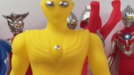 全身金黄色的奥特曼,你知道叫什么名字吗
