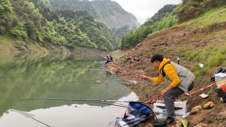 野钓遇到鱼群,第一竿下去就被切线,接下来连竿连到手发软