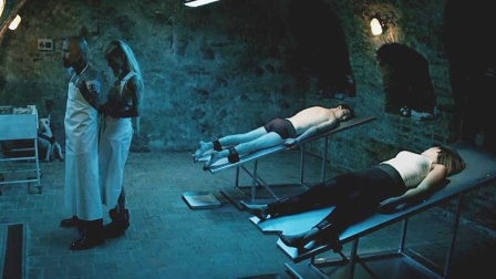 说好的纹身店,变成了屠宰场,看的我瑟瑟发抖