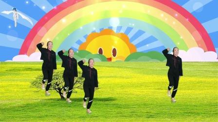 超火32步广场舞《爱情错觉》,一夜火爆全网,舞步欢快俏皮