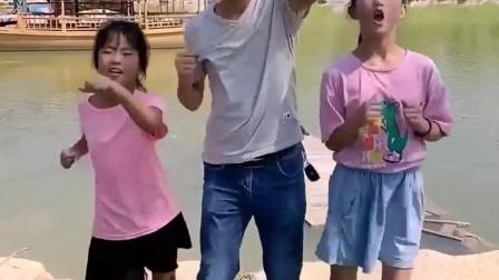 亲子乐事:三人跳舞好嗨呦