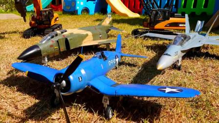 儿童玩具车表演:翻斗车、大拖车运输材料,吊车、挖掘机组装战斗机!