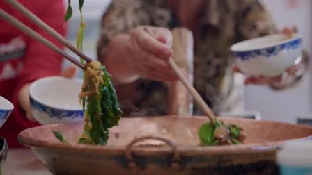 沸腾吧火锅:辣椒跟牛肉两者相遇,让人的收获双倍的幸福