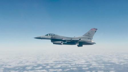 美国空军F-16猎鹰在靶场进行对地攻击训练(3312)