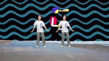 动感DJ广场舞《人潮里拥抱》,动感旋律,妹妹舞姿性感迷人