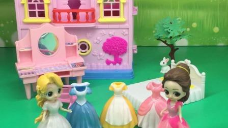 贝儿送白雪礼物啦,长发公主也想要