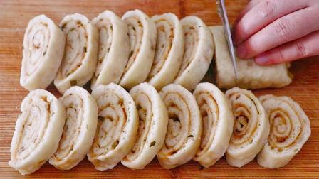 2个土豆1碗面,这做法30年第一次见,松软多层像面包,营养又解馋
