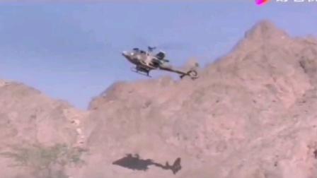 【抗苏神剧《第一滴血3》】史泰龙饰演的兰博一箭射爆苏军武装直升机,一人对付苏军一个装备飞机坦克的作战团