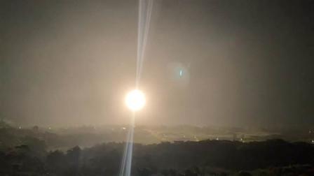 台海方向深夜传巨响,导弹产生的火光直窜天空,三大区域十分危险