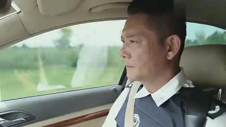 简凡单独执行任务,俩警花都要跟他去,队长急眼了