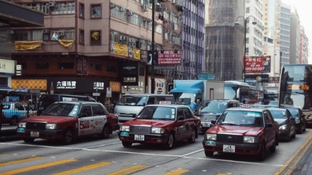 为什么香港街头的车都是那么的干净?难道香港人有洁癖天天洗车?