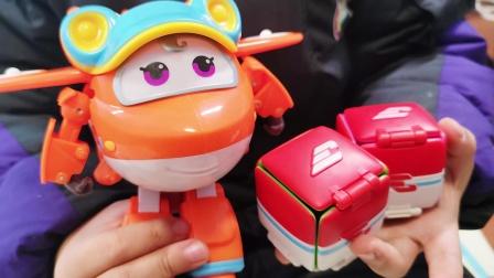 萌娃超级飞侠大变身 佩佩带来超级包裹