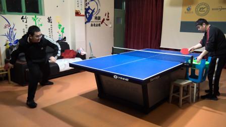 乒乓球正手侧身拉下旋球,在移动当中如何身手更加协调?