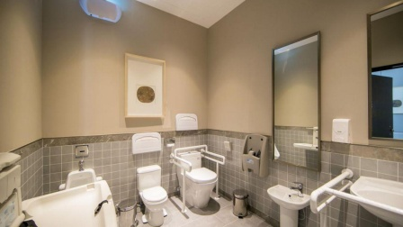"""不论男女,上厕所时出现3种""""异常"""",可能是被肝癌""""盯""""上了"""