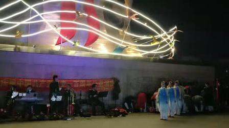 ′公主岭马丽萍渖唱歌曲《我爱你中国》伴舞张丽影等!