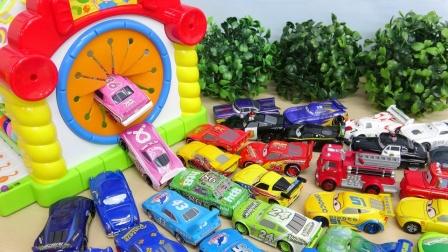 汽车总动员玩具故事:好奇怪!为何麦昆跟叮当猫聚集在一起?