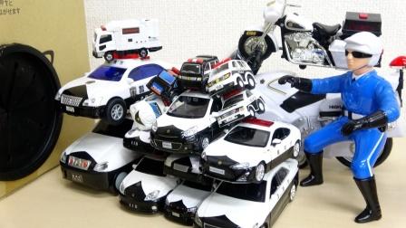 汽车工程车玩具故事:哇塞!警察的警车为何会变得这么大?