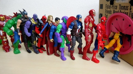超级英雄玩具故事:太炫酷了!玩具箱里出现了哪些超人呢?