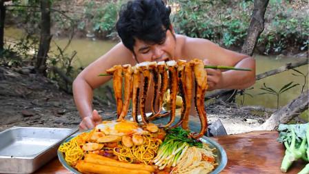 红树林的鱿鱼个头大,抓一条炖熟,触须吃着真鲜