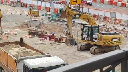 卡特320D2和330D2L挖机