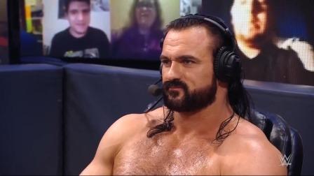 WWE RAW1458期英文回放:曼迪罗丝阻止女皇赛后补刀, 曼苏尔加入RAW
