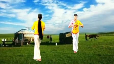 广场舞《亲亲我的黄土地》轻快的音乐配上简单的舞步,热烈奔放