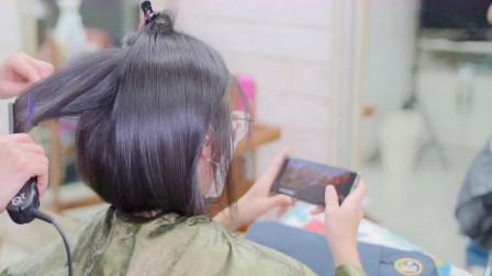 39岁女性短发想年轻,到理发店三两下给拉直,完全不一样