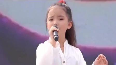 张柏芝儿子小谢仔,公主同台演唱  唱得太好听了!