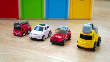 汽车玩具和仓库:挖掘机、消防车、云梯车、小汽车,合金玩具车