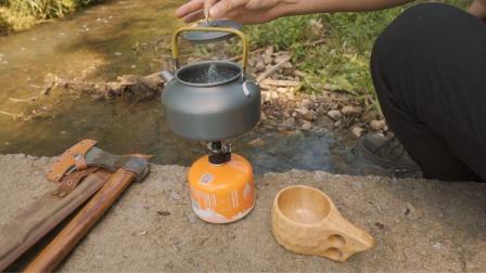 小姐姐给推荐的竹芯茶,小河滩煮上一杯去火解暑!