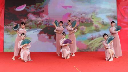 衡阳市笑冰艺术团:旗袍舞蹈-《新中国的旗袍人》,气质高雅美如花