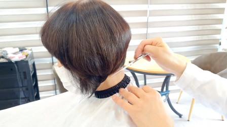 55岁女性嫌烫过的头发显老,到理发店干脆剪短,年轻10岁都不止