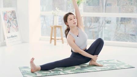 瑜伽黄老师演示4个瑜伽经典体式,换了瑜伽馆感觉就是不一样!