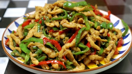 饭店里的青椒肉丝什么缘由廉价又好吃?好多人搞错了,大厨具体讲解