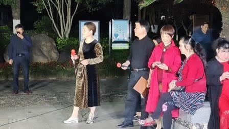 阿兰越剧红楼梦想当初明楼公园唱老李2o21年5月5日