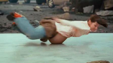 世上最强孕妇,比超级英雄还猛,敢用肚子跳街舞《灾难大电影》