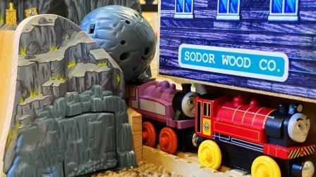 零件搭建木制小山火车轨道