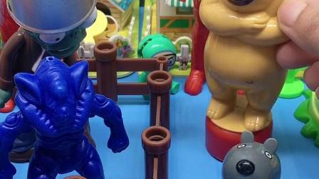 僵尸和小怪兽求熊二放了他们