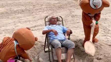 大爷睡个午觉也太难了