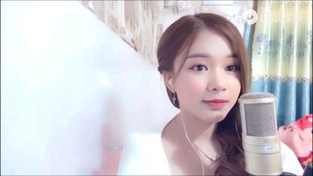 越南网红美女翻唱歌曲《青花瓷》