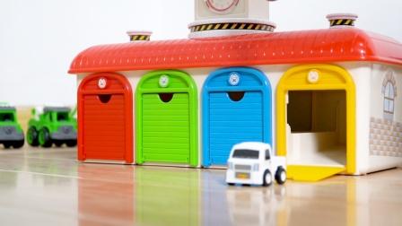 儿童汽车玩具试玩,各种合金小汽车模型和汽车仓库