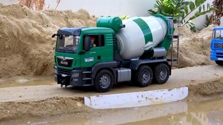 趣味工程车汽车玩具,吊车救援搅拌车负责修路!工程车分工合作